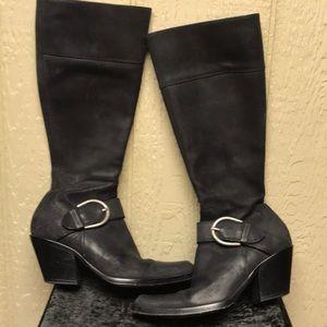 DONALD J PLINER Black Leather Nari Buckle Boots